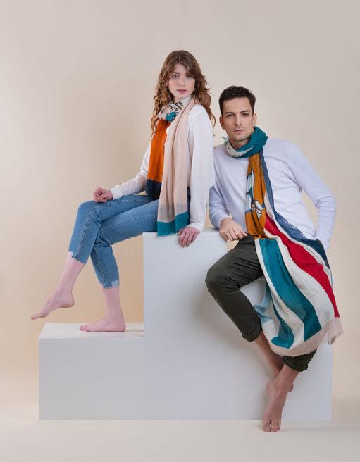 Un homme, une femme, un foulard !