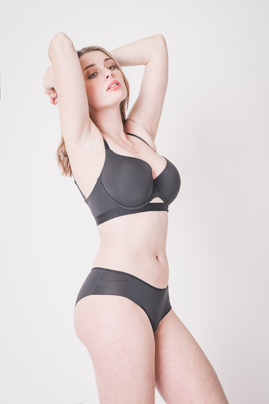 Laurent Scavone photographe mode & lingerie
